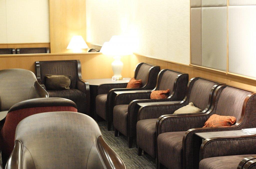 Lounge Review : 関西空港(KIX)日本航空(JL)サクララウンジ(国内線)