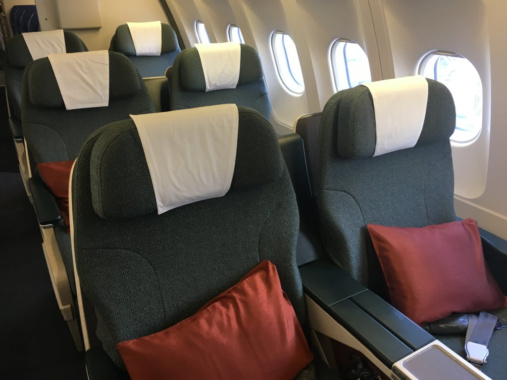 Business Class Review : CX785(HKG – DPS)