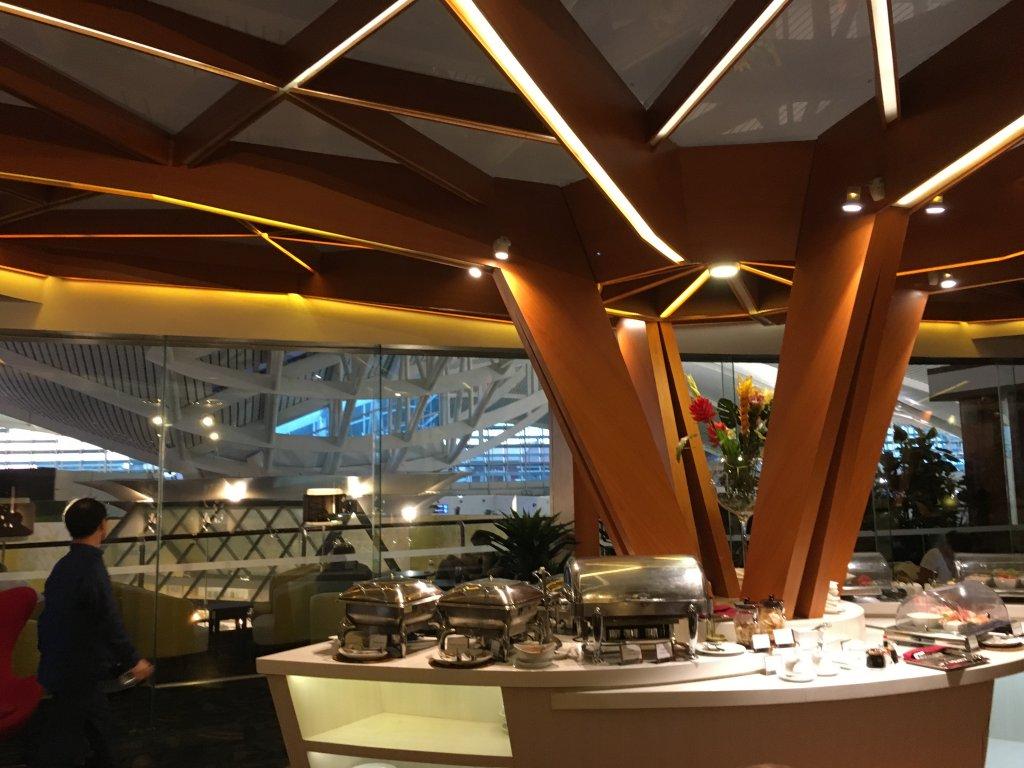 Lounge Review : バリ空港(DPS) プレミアラウンジ(Premier Lounge)