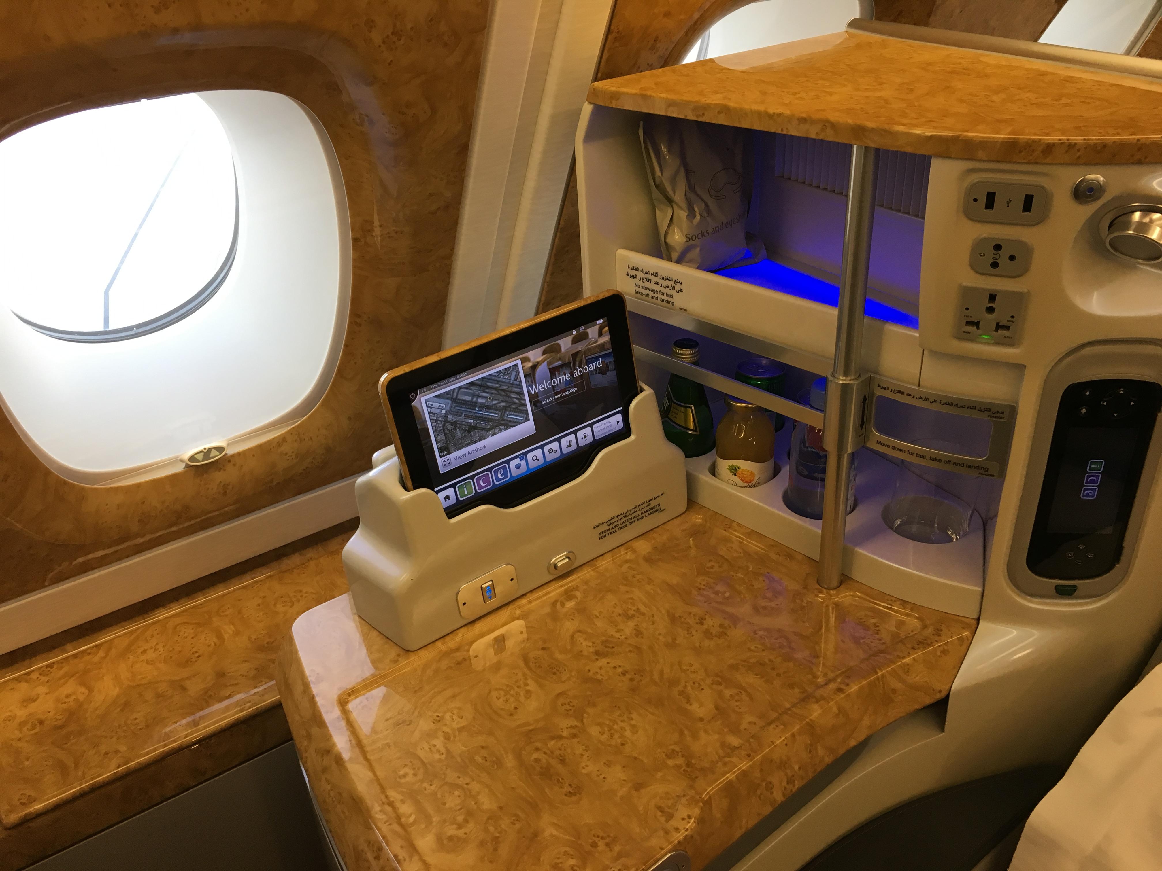 Business Class Review : エミレーツ航空(EK) EK751 ドバイ(DXB) – カサブランカ(CMN) Airbus A380-800