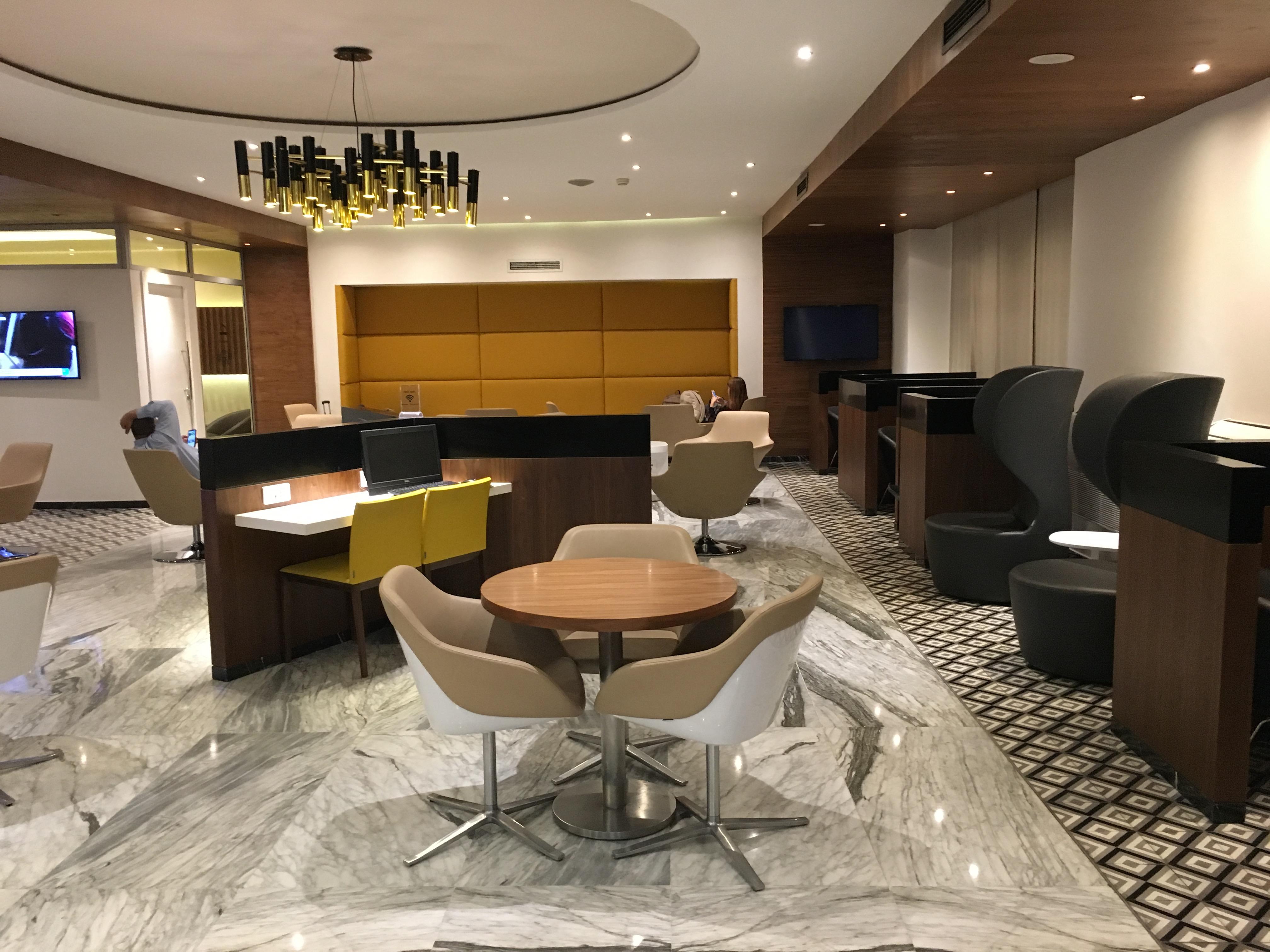 Lounge Review : カサブランカ空港(CMN) パールラウンジ(Pearl Lounge)