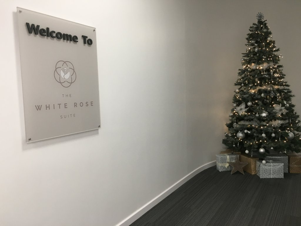 Lounge Review : リーズ・ブラッドフォード空港(LBA) The White Rose Suite