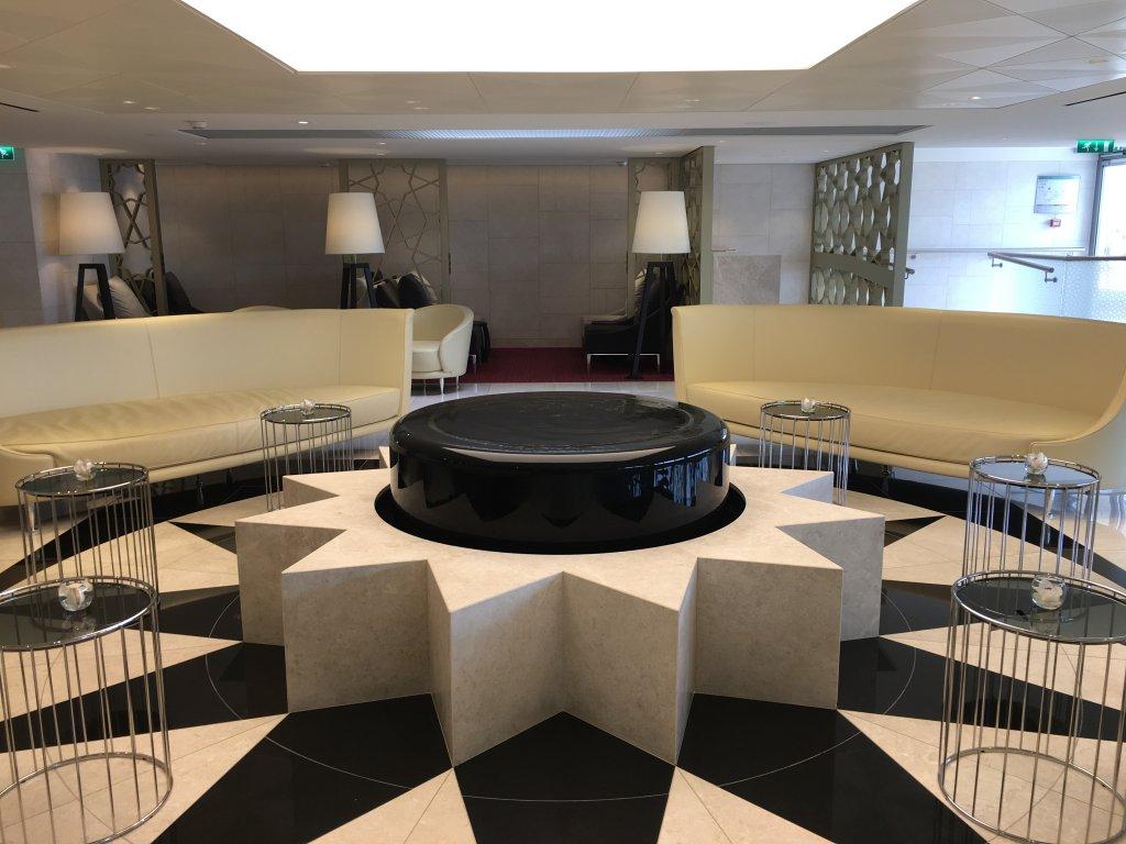 Lounge Review : パリ シャルル・ド・ゴール空港(CDG) カタール航空(QR)ラウンジ