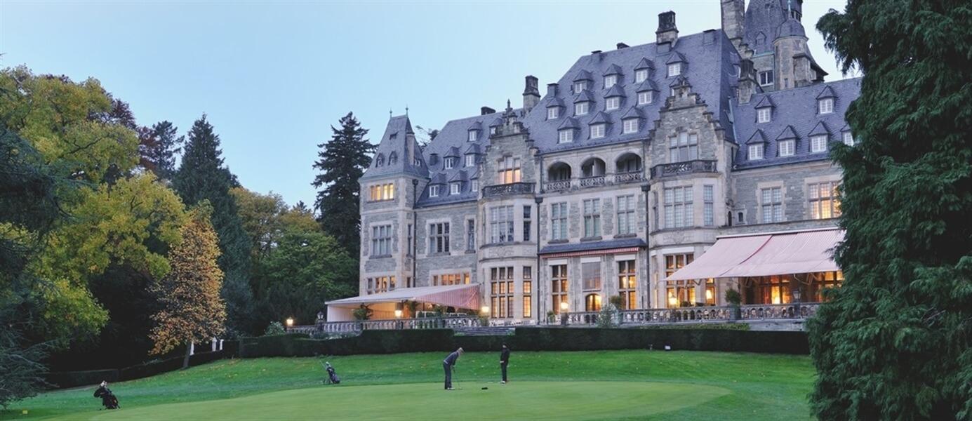 ヨーロッパのお城に1泊JPY30,000以下で泊まる方法