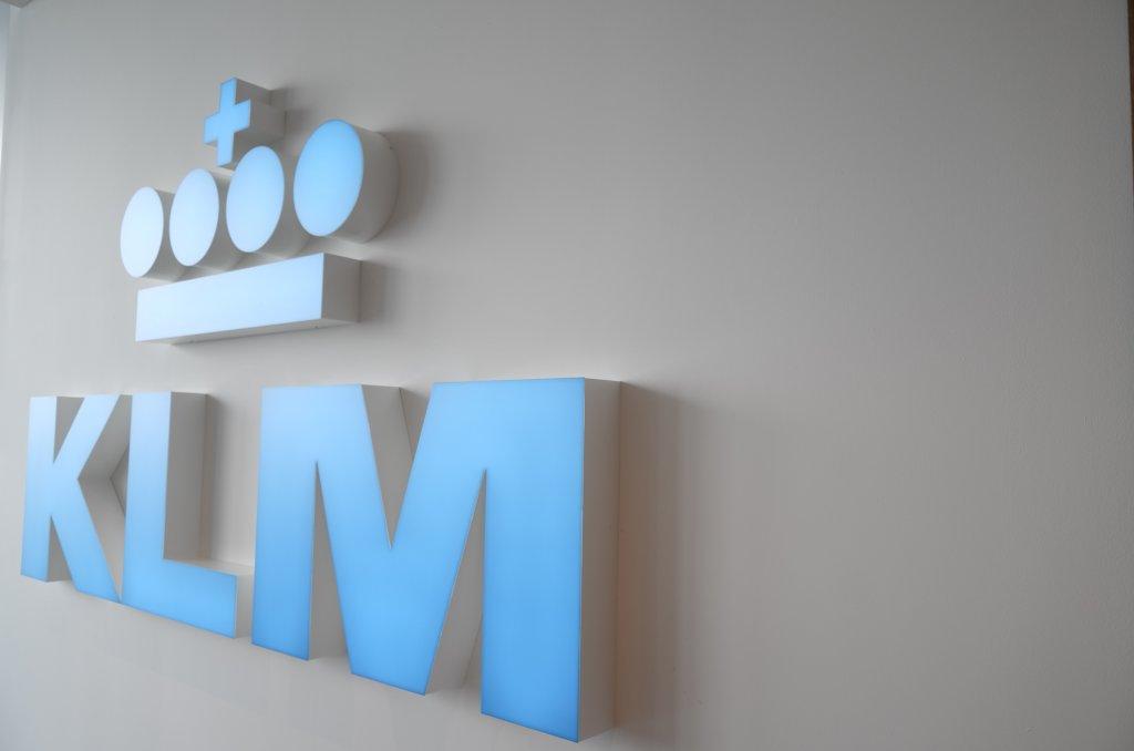 Lounge Review : アムステルダム空港(AMS) KLMオランダ航空(KL) クラウンラウンジ(Crown Lounge)