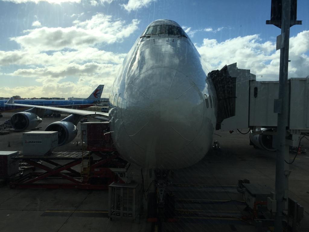 Business Class Review :  カンタス航空(QF) QF26  羽田(HND) – シドニー(SYD) ボーイング B747-400