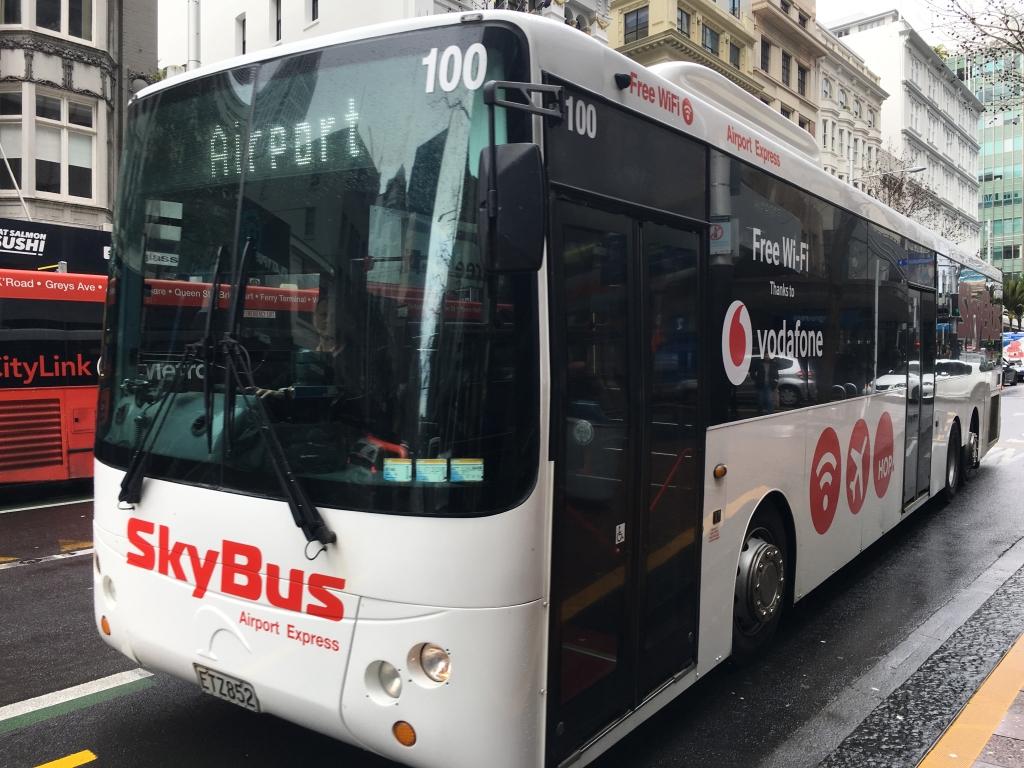 オークランド空港(AKL)と市内を結ぶスカイバス(SkyBus)のチケット購入方法。ヴァージン・オーストラリア(VA)のマイレージも獲得しよう!