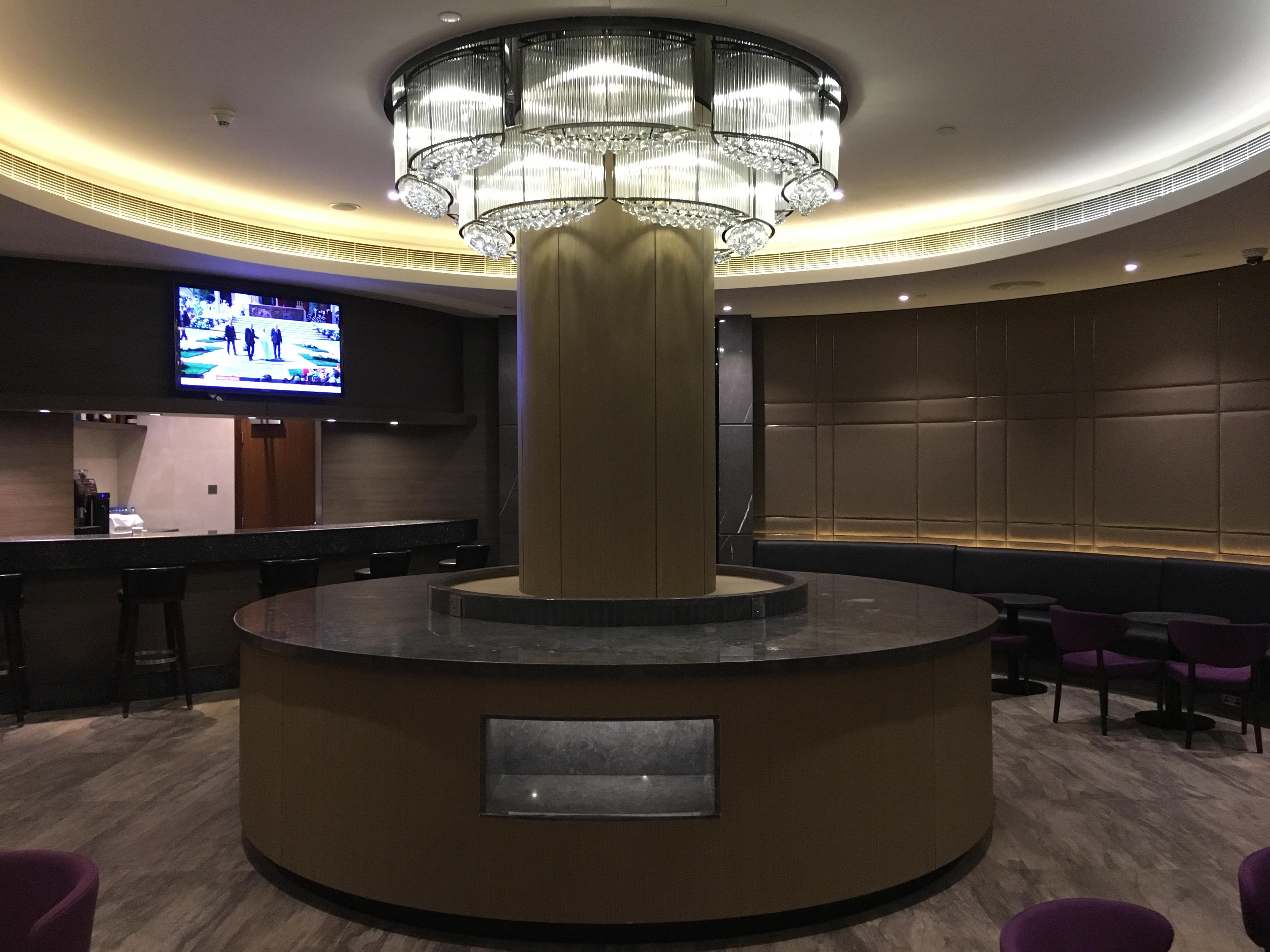 Lounge Review : アブダビ空港(AUH) アルダビラウンジ(Al Dhabi Lounge)