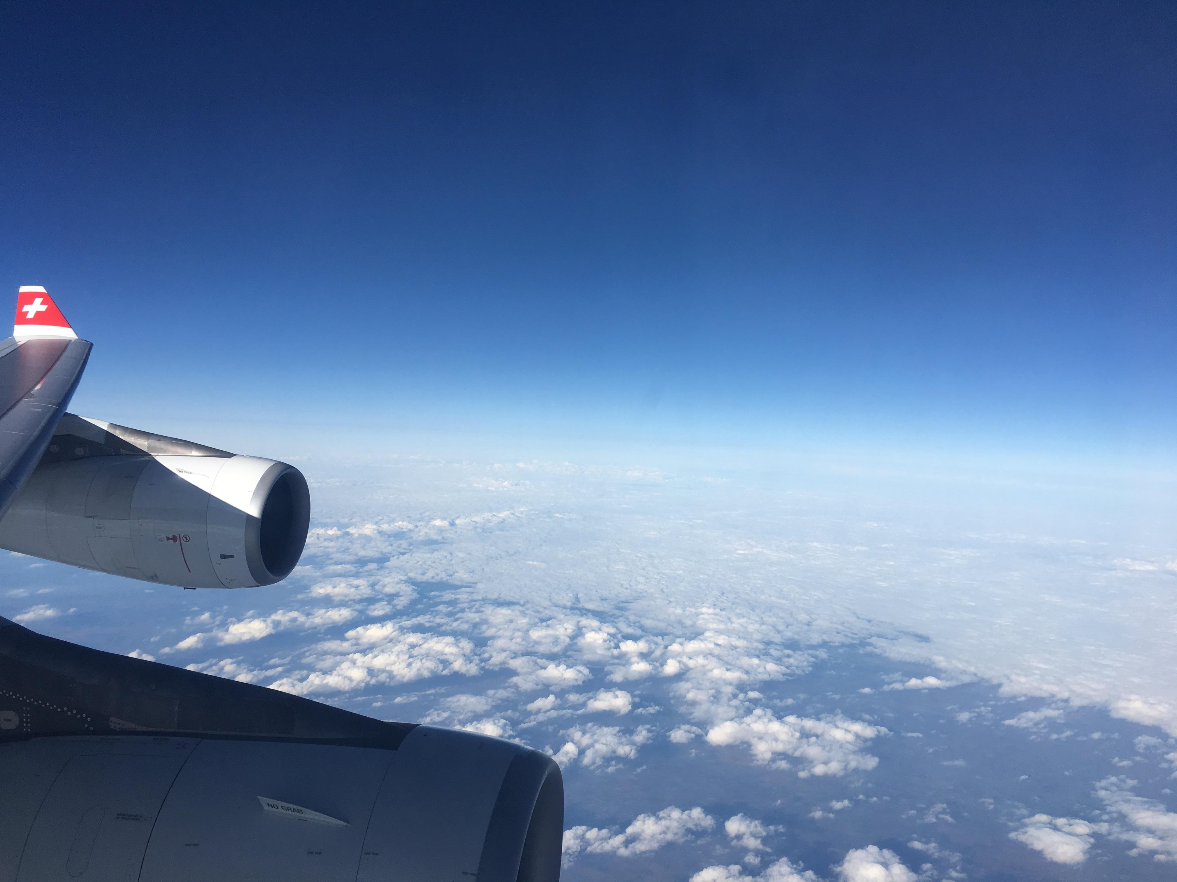 Business Class Review : スイスインターナショナルエアラインズ(LX) LX188  チューリッヒ(ZRH) – 上海浦東(PVG) エアバス A340 王様シート(Throne Seat)