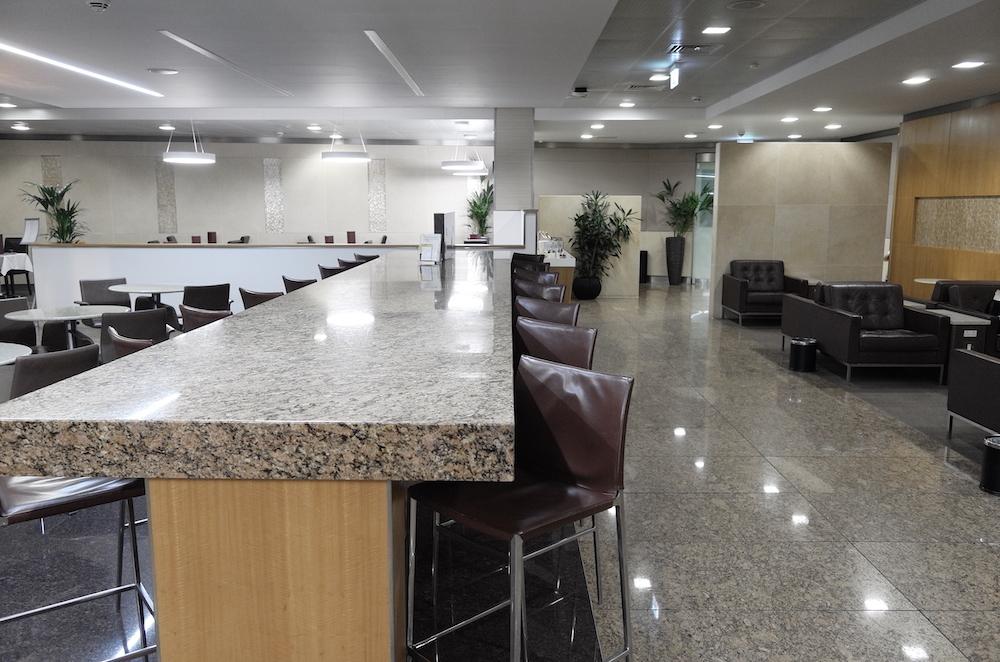 Lounge Review : ロンドンヒースロー空港(LHR)ターミナル3 アメリカン航空(AA) インターナショナルファーストラウンジ(International First Lounge)