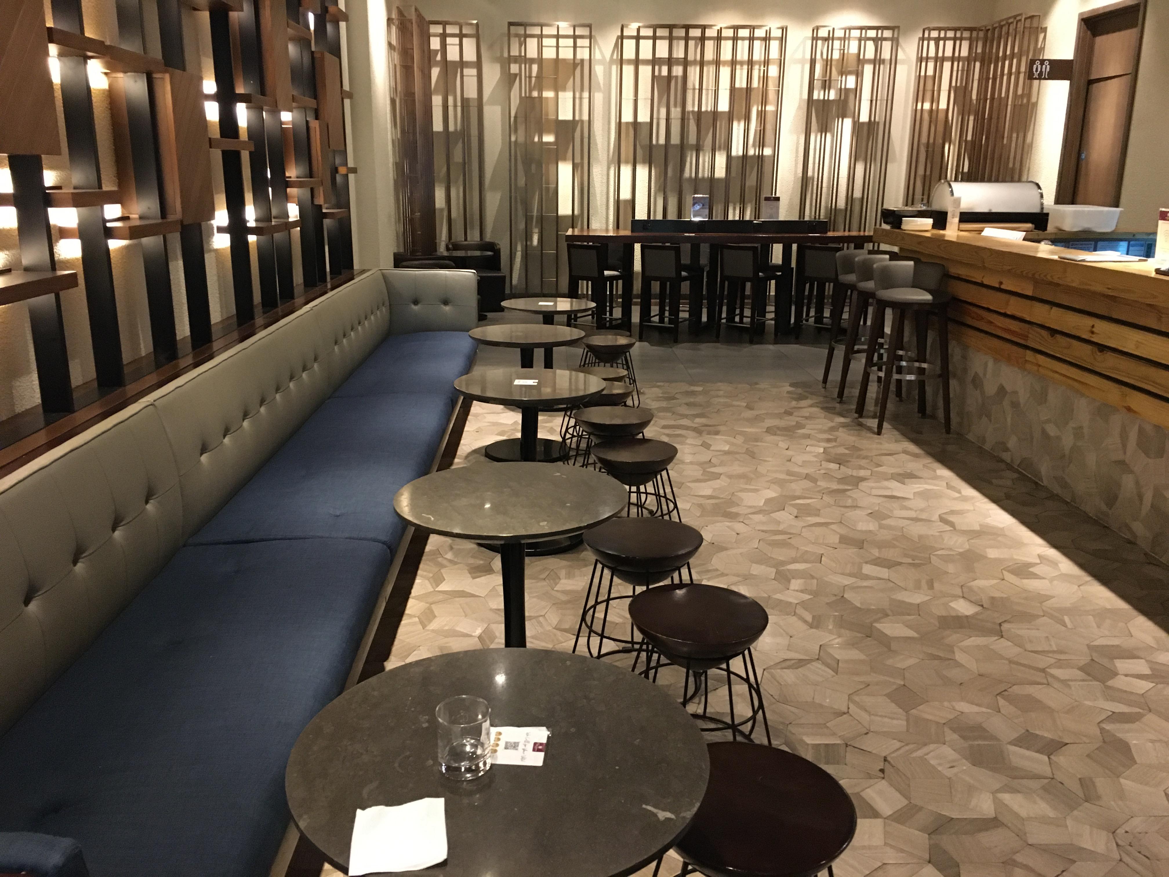 Lounge Review : ロンドンヒースロー空港(LHR)ターミナル2 プラザプレミアムアライバルラウンジ(Plaza Premium Arrival Lounge)