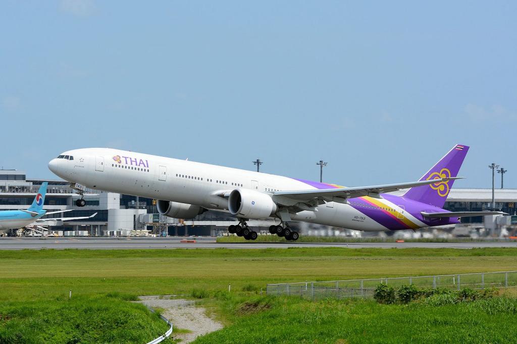 経営再建中のタイ国際航空(TG)がボーイング B777機材を導入