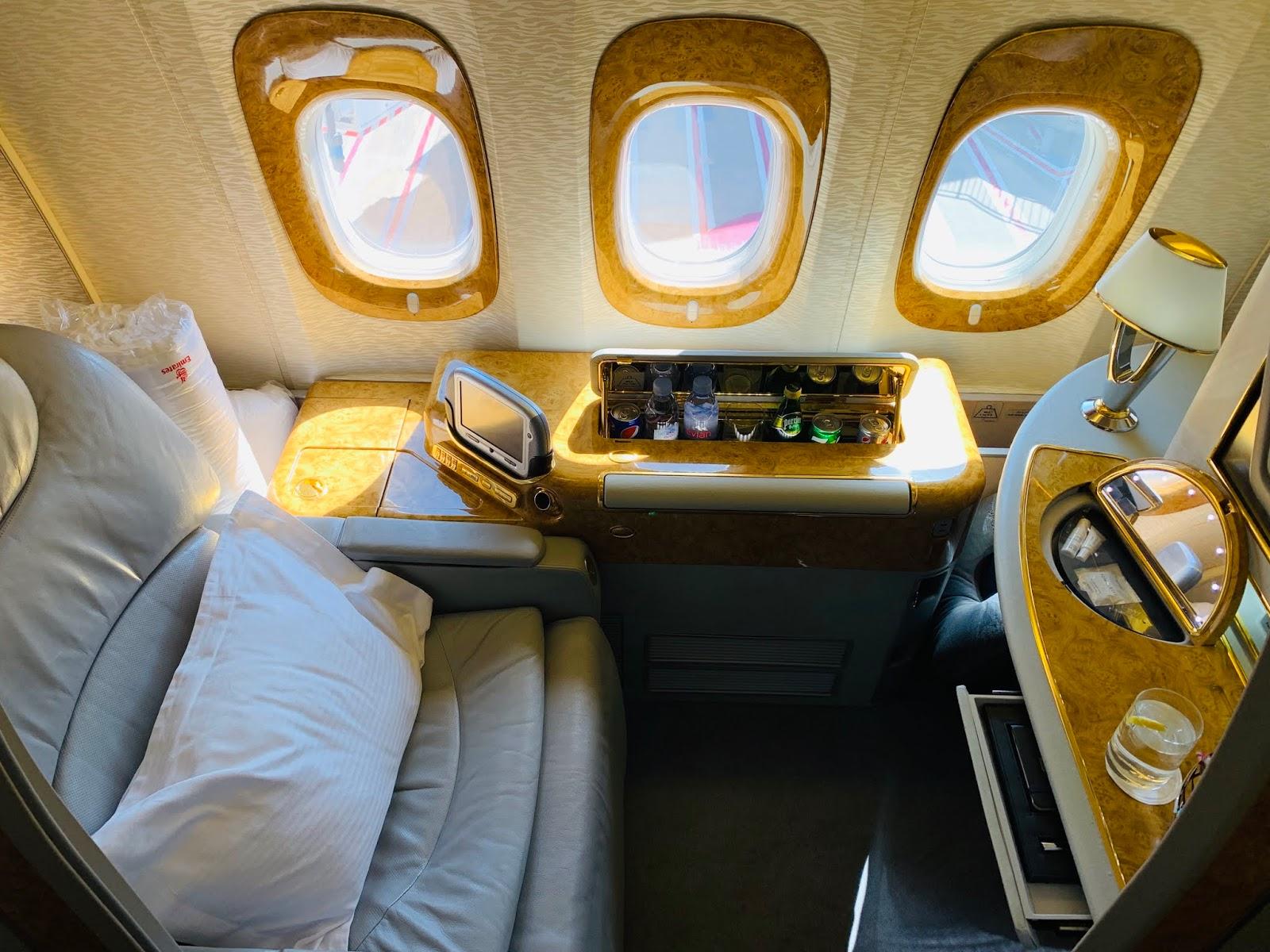 エミレーツ航空(EK)ファーストクラスにJPY50,000台で搭乗する方法