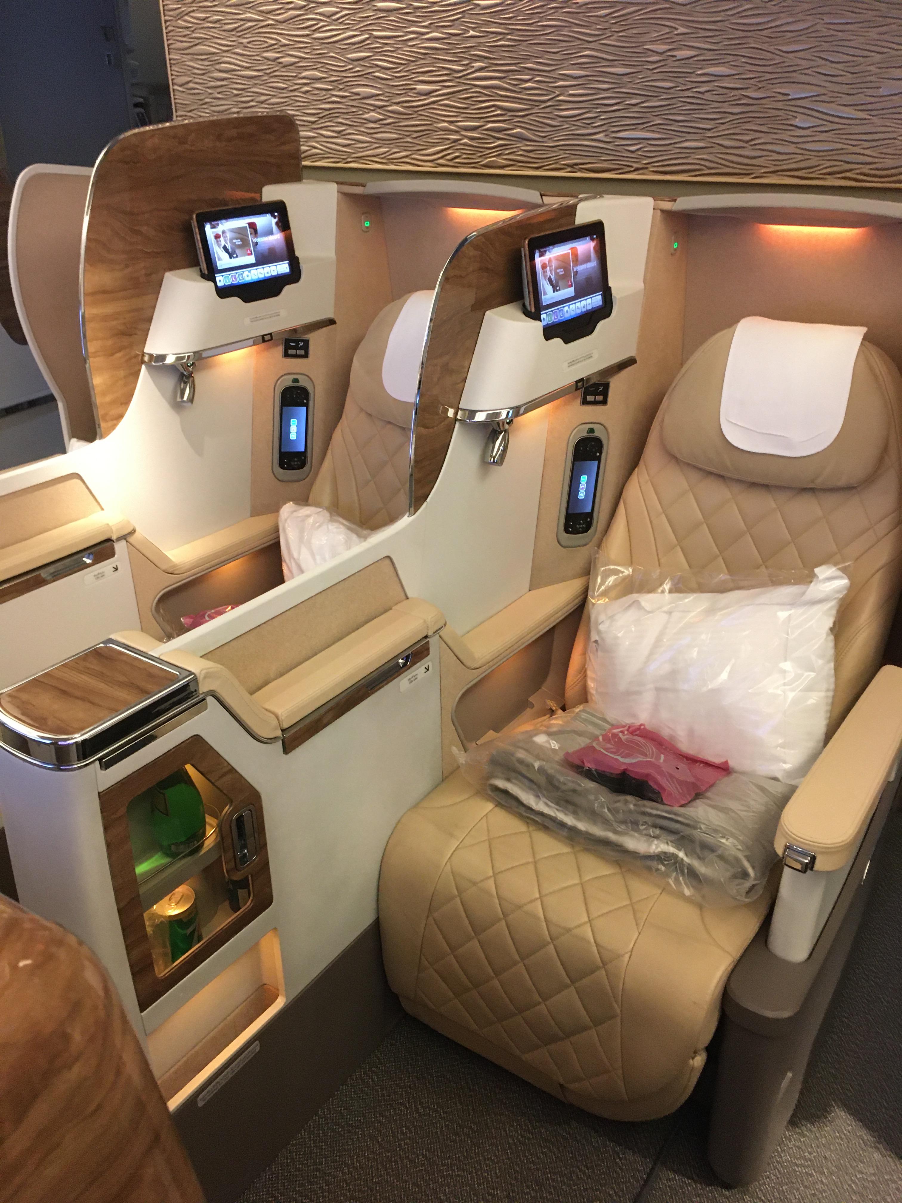 Business Class Review : エミレーツ航空(EK) EK318  ドバイ(DXB) – 成田(NRT)