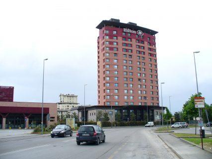 少ないポイントでヒルトンのホテルに宿泊できる日を見つける方法